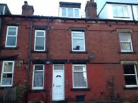 Lovely, nicely decorated 2 bed House in Armley Leeds 12.