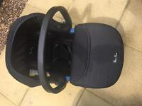 SilverCross Carseat & Carry Cot.