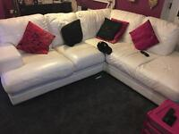 DFS WHITE LEATHER 5 SEATER CORNER
