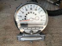 BMW Mini R56 Alpine head unit/speedometer