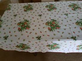 Christmas table cloth & 4 napkins