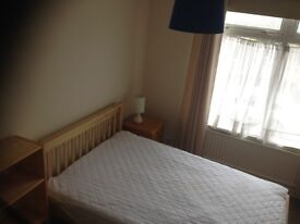 Double room available in Filton in shared house for professional.