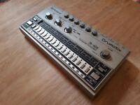 Roland TR-606 Drumatix Drum Machine + Midi to Din-Sync Adapter