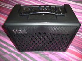 VOX vx1 Guitar Amp + case and pedel