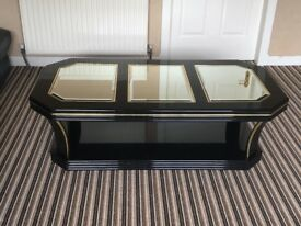 Coffee table . Italian black hi gloss mirrored coffee table. Beautiful centre piece. £60
