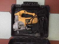 DEWALT DW331K-GB - 701W - JIGSAW 240V, Fully working. RRP £160