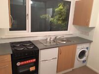 BRIGHT LARGE STUDIO FLAT NEXT TO LEYTONSTONE UNDERGROUND, ALL BILLS INCLUDED
