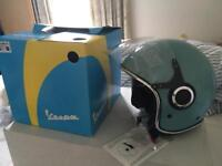 Vespa Helmet brand new Size Large