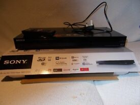 Sony Blu-Ray 3 D / DVD Player BDP- S7200