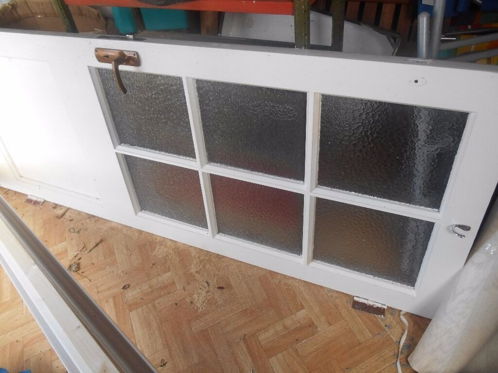 External door with 6 glass patterned window framesin Christchurch, DorsetGumtree - A white painted external door with lock and key currently taking up space in my shed. Free to anyone who wants it. Collection from Mudeford area. Please text or phone as my emails dont show up on my phone