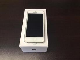 iPhone 5 16GB unlocked to all networks good condition with warranty and accessories