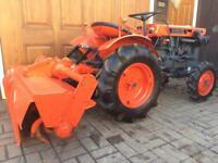 Kubota b7000 4x4 diesel compact tractor
