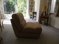 SINGLE BED / CHAIR