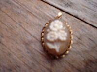 9ct Gold Cameo Pendant---hallmarked
