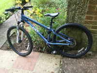 XS Giant Arete 3 2009 with Disc Brakes and Front Rock Shox