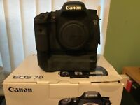 Canon 7d DSLR with Battery grip