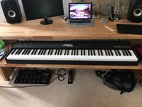 Studiologic SL88 Studio 88 note fully weighted hammer action piano keyboard controller - 1 year old