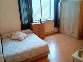 Beautiful/Massive Double Room (Golders Green and available now BE QUICK!!!)
