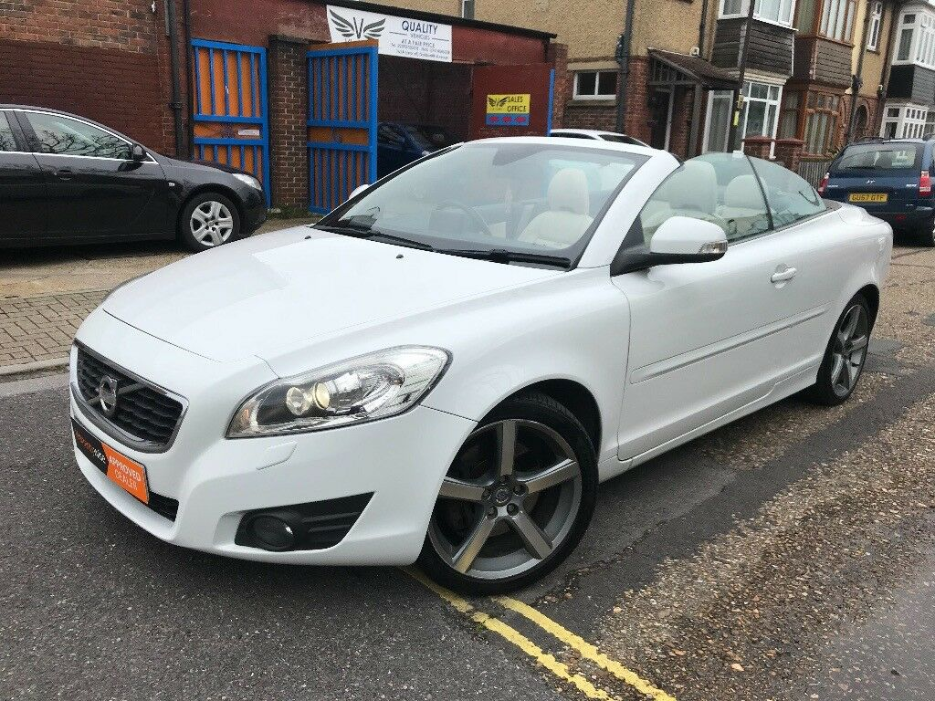 2010 Volvo C70 Convertible Automatic Hard Top SatNav Cream Leather Alloys  Arctic White ***