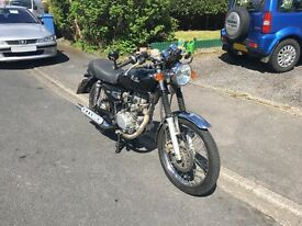 SYM Wolf Classic (125) - low mileage - perfect learner bike - lots of extras!