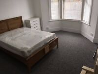In4FloorHouse Large Bay Double Room UseKitchenDiner1Bath2ShowersIncludesBillsNetVeryNearBRBusTube