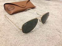 Ray ban aviator sunglasses (genuine)