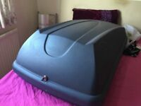 HALFORDS 250 GREY LOCABLE ROOF BOX WITHKEY FITTING KIT AND ROOFBAR S