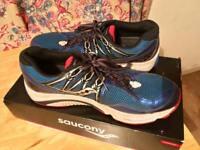 Saucony running shoes men's 11