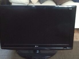 37 inchs tv LG with 10 metre cables