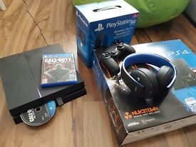 Sony Playstation 4 500GB + PS wireless headphones + Controller + COD Black Ops 3