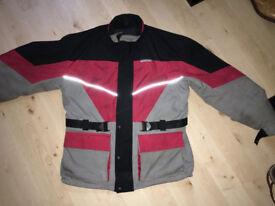 1 Winter & 1 Summer XL Bike Jacket + Shark Helmet (XL)