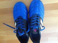 Adidas unisex football boots size 5