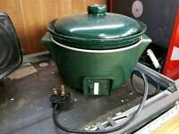 Large slow cooker