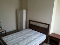 Fully Furnished Double Room to Rent on Portland Road High Street, Close to Beach - BILLS INCLUDED