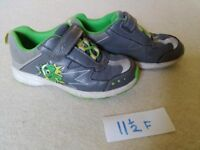 CLARKS shoes size 11.5 F