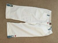 Joules white crop pant with blue turn up detail. Size 10 12