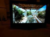 32 inch Hitachi tv