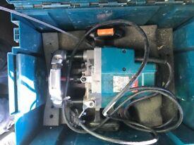Makita router 240v