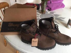 Size 5 ladies Wrangler Boots
