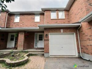 $286,500 - Townhouse for sale in Orléans