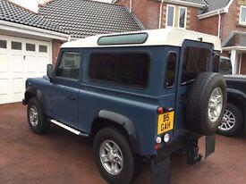 Land Rover Defender 90 Hard Top 300TDi - County Spec VGC