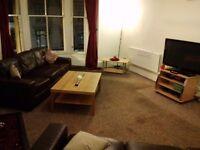 Byres Road Room £400