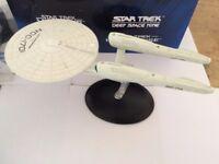 STAR TREK ENTERPRISE NCC-1701 (2009 MOVIE) DIE CAST MODEL IN ORIGINAL BOX AS NEW