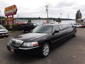 2007 Lincoln Town Car Executive Limo Package