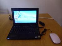 Netbook Dell Latutude 2100, windows 7, 160GB HDD 2GB RAM plus USB mouse