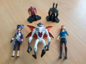 5 ben 10 figures including gwen