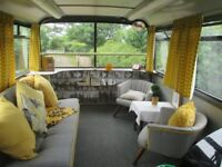 HOLIDAY ACCOMMODATION LUXURY 1950'S DECOR @ BERTRAM'S HOTEL CONVERTED LONDON BUS