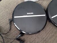 PHILIPS CD and MP3 player with earphones good working order.