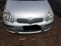 TOYOTA YARIS 1.0 PETROL 2004 BREAKING FOR PARTS SPARES AND REPAIRS