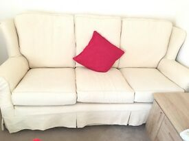 Lovely cream sofa and 2 armchairs